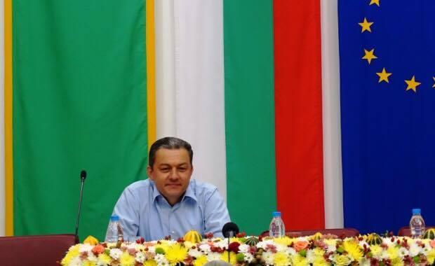 Д-р Иванов подписа два договора за 640 хил.лв. с МРРБ за решаване на водния проблем на Севлиево