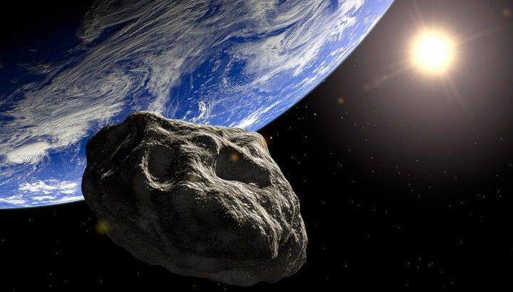 Астероид ще удари Земята, твърди руски астроном