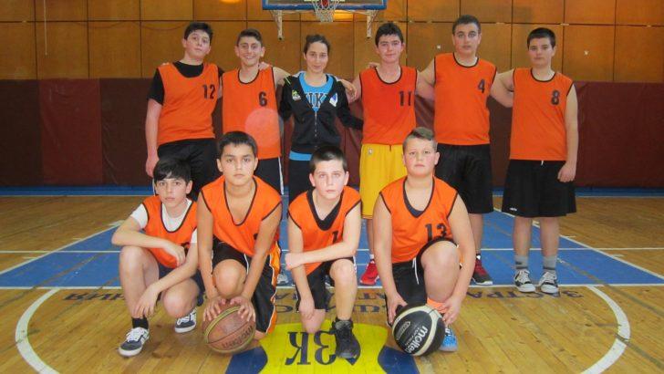"""Ясни са победителите по волейбол и баскетбол от общинския етап на """"Ученически игри"""" 2016-2017 г."""