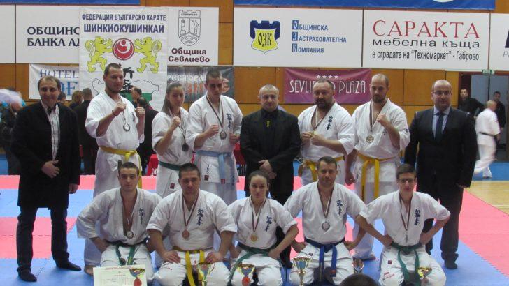 10 медала спечелиха каратистите ни от Националното първенство