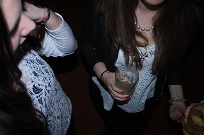 СЗО: тийнеджърите ни първи в света по пушене и пиене