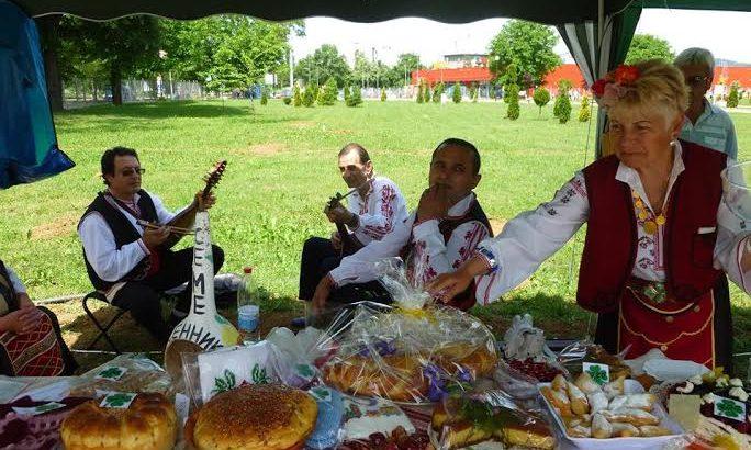 """Селски МОЛ ще покаже истинските вкусове от кухнята на баба на фестивала """"Семе българско"""""""