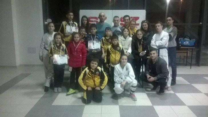 18 медала спечелиха таекуондистите от Държавното първенство