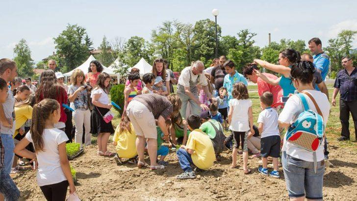 """Севлиевски деца и техните родители ще творят цветовете на трибагреника за ин витро бебе и на фестивала """"Семе българско"""""""
