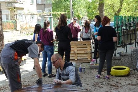 """Повече от 4000 души се включиха в кампанията на Община Севлиево """"Цветовете на дъгата"""""""