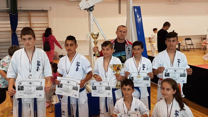 Шест златни медала и сребро спечелиха севлиевските каратисти