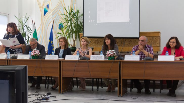 Патриотичното възпитание и нравственото образование обсъдиха в Габрово
