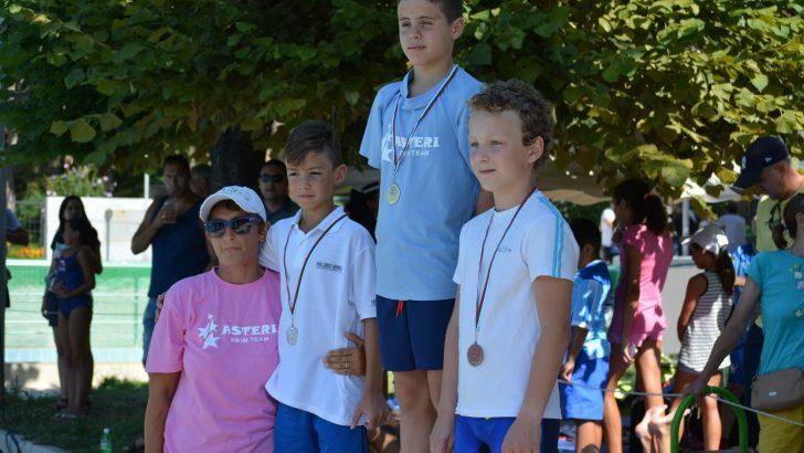 Сребърен медал за Никола Белоев от държавното по плуване