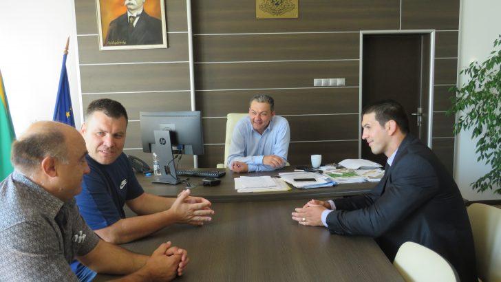 """Кмет, президент и треньор обсъдиха бъдещето на клуба по борба """"Дан Колов"""""""