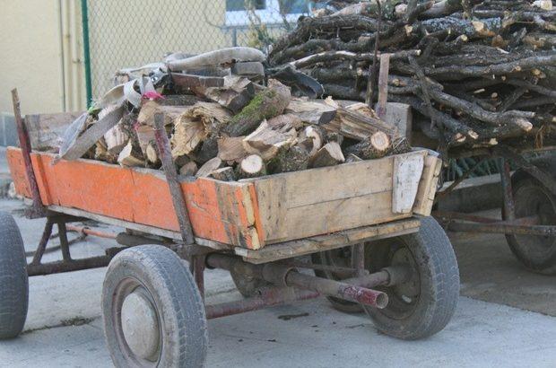 Две каруци, 10 триона и други инструменти задържаха горските от бракониери