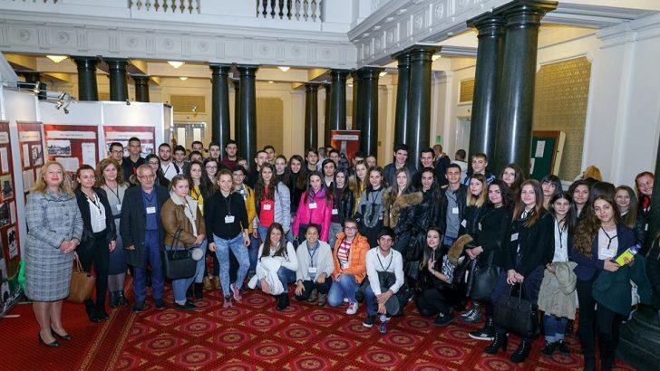 80 млади севлиевци почерпиха опит в Народното събрание по покана на депутата Иглика Иванова-Събева
