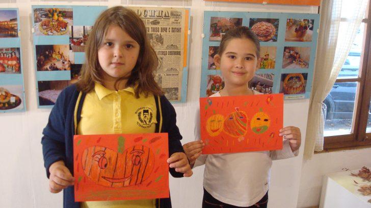 Деца рисуваха тиквени цветни фантазии