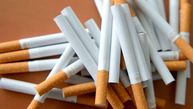 Откриха 6000 контрабандни цигари в багажник на кола