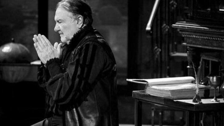 """Спектакъла """"Завещанието на целомъдрения женкар"""" подарява Общината за Деня на християнското семейство"""