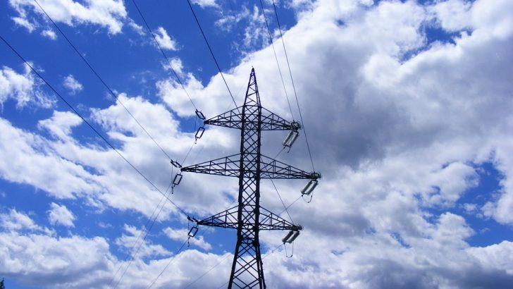 Търговците на свободния енергиен пазар вдигат цените с 30 до 65 на сто