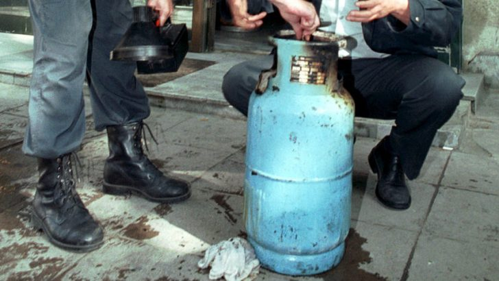 Газова бутилка се запали на двора в къща в с. Хирево