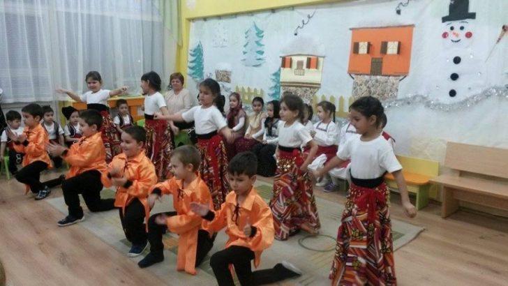"""Бабинден празнуваха в детска градина """"Мечо Пух"""" в с. Петко Славейков"""