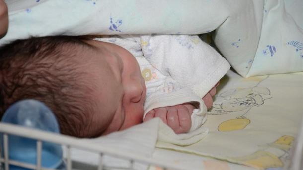 Константин-първото бебе за 2018-а в Севлиево
