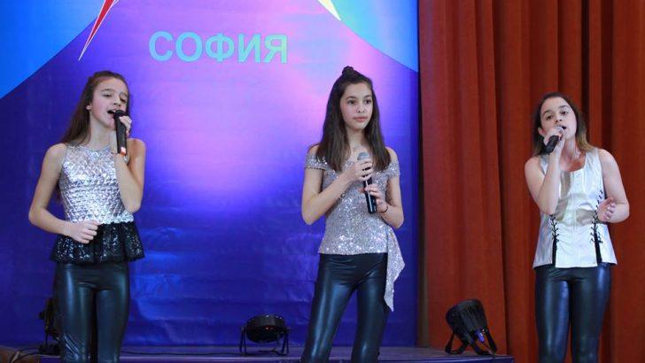 """Upstream Voices обра медалите в """"Път към славата"""", Ценка Горалова с приз за най-добър вокален педагог"""
