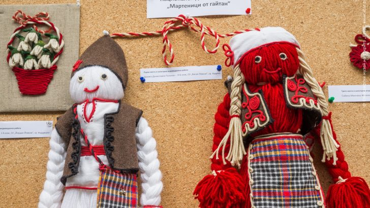 За Българската Коледа ще са средствата от закупените мартеници от гайтани