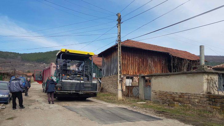 Започнаха ремонти на улиците в селата от община Севлиево