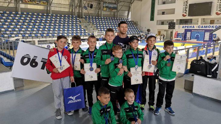 "11 медала за севлиевските джудисти от турнира ""Шун джудо куп"""