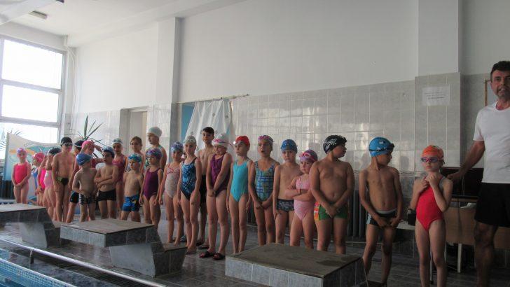 В Севлиево се проведе първото състезание по скоростно плуване