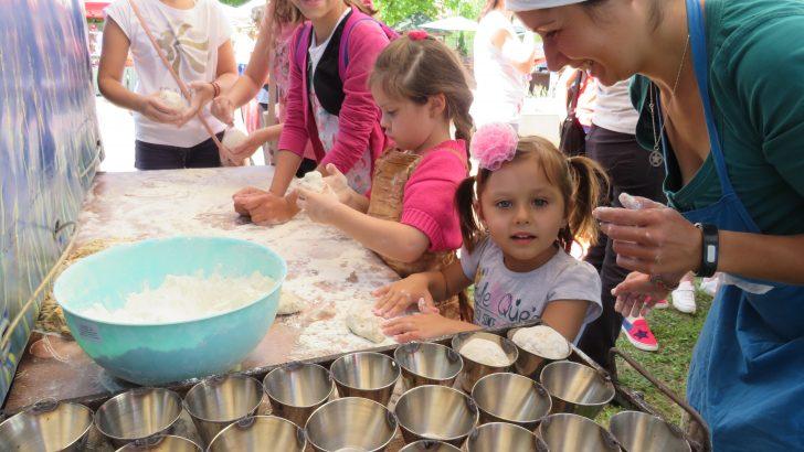 """200 деца от страната месиха хляб на """"Семе българско"""""""