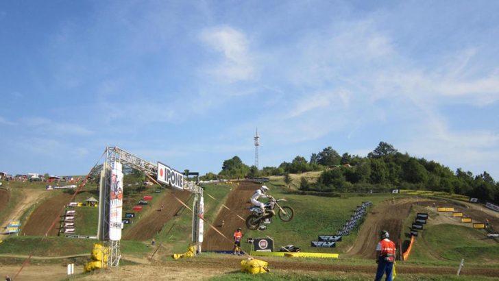 """120 мотоциклетисти от 30 държави се състезават на мотополигон """"Горна Росица"""""""