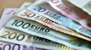 Млад мъж отмъкна злато и 710 евро от частен дом