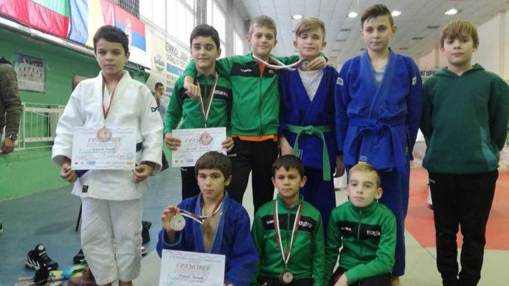 Шест медала за джудистите ни от международен турнир