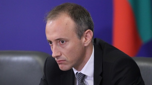 Министър Вълчев: Кариерното ориентиране трябва да доведе до задържане на младите хора в страната и регионите
