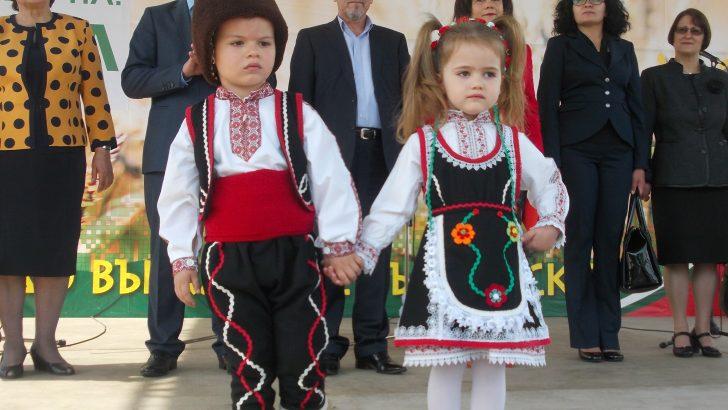 """Много награди и изненади подготвят на фестивала """"Семе българско"""""""