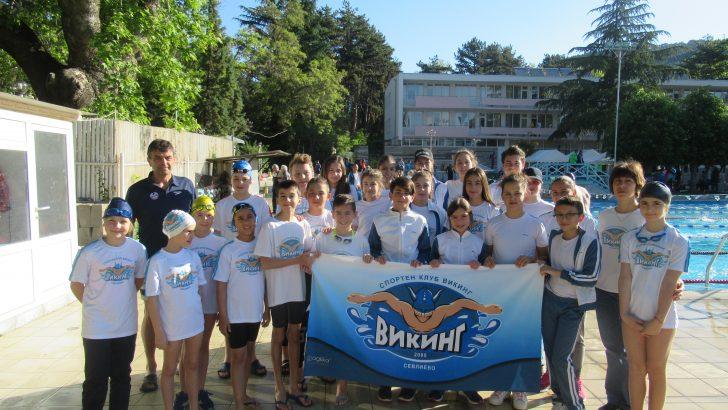 Още 3 медала за плувците ни от Международен турнир в Сандански