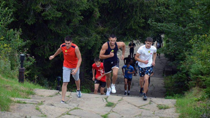 Запиши се за състезанието по изкачване на стълбите към Паметника на свободата
