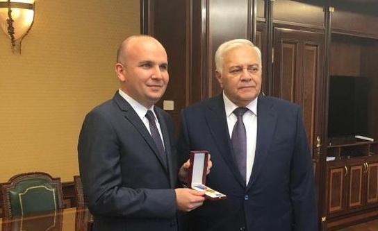 Илхан Кючюк е удостоен с престижен орден от парламента на Азербайджан