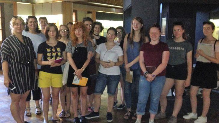 Ученици от Валашке Мезиричи са на посещение в Историческия музей в Севлиево
