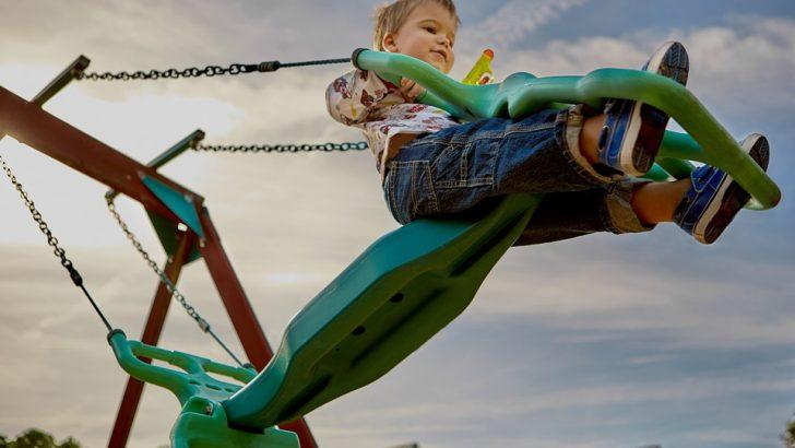 """Откриват нова детска площадка в парк """"Черничките"""""""