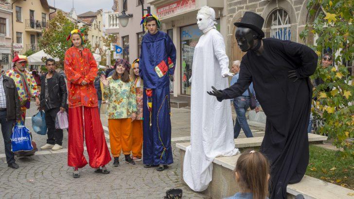 """Пътуващият фестивал """"Улицата"""" идва в Севлиево за празниците на града"""