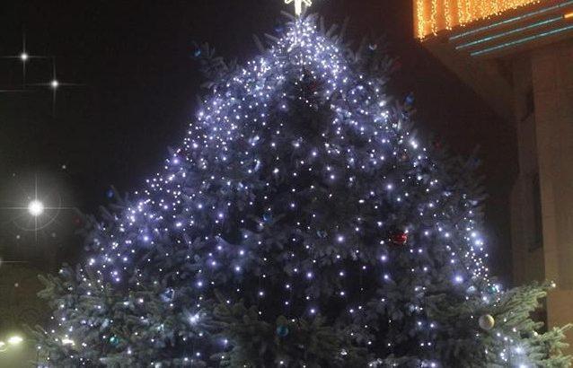 Коледните светлини в Севлиево грейват на 2 декември