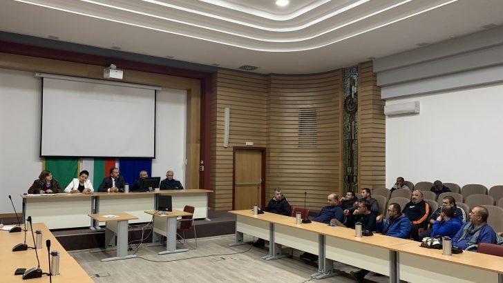 Промени във връзка с таксиметровите превози дискутираха кметът д-р Иван Иванов и превозвачи