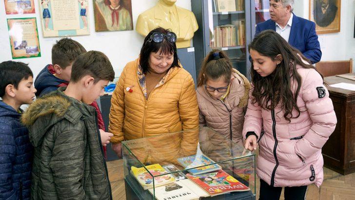 """Откриха експозицията """"Образованието в Севлиево и Севлиевска община 1878-1944 г., 1944-1989 г."""""""