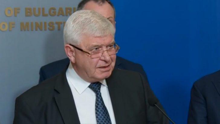 Министър Ананиев обеща пари за шест нови апарата за хемодиализа в севлиевската болница