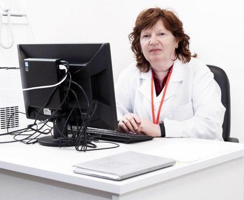 """Д-р Славка Димитрова, ендокринолог в МБАЛ """"Свети Иван Рилски""""-Габрово: """"Когато остеопорозата се открие навреме, усложненията могат да бъдат предотвратени"""""""
