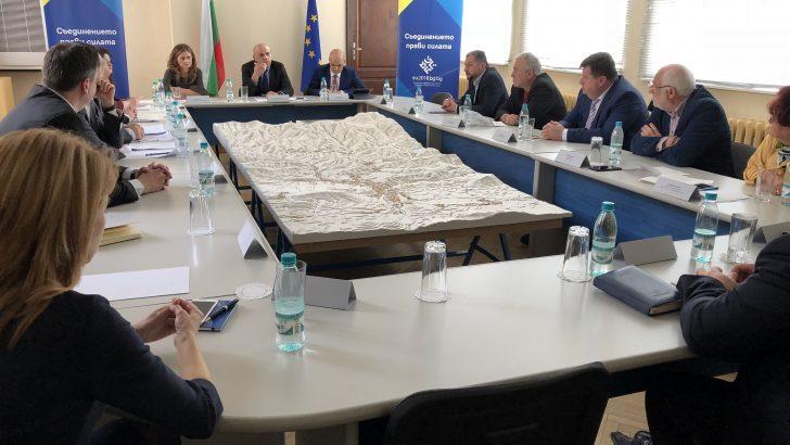 Вицепремиерът Томислав Дончев обсъди стратегиите за реализиране потенциала на местния бизнес с кметовете от областта