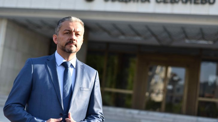 Кметът д-р Иван Иванов с поздрав към военни и граждани за Гергьовден