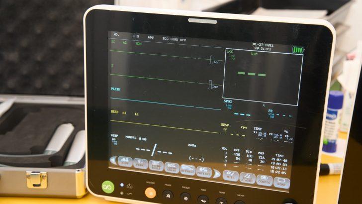 Съвременен ларингоскоп и два пациентски монитора получи севлиевската болница