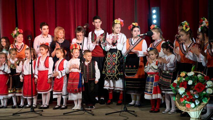 """70 години чества Детската музикална школа при НЧ """"Развитие-1870"""""""