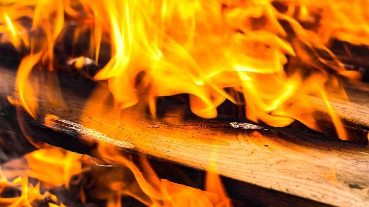Осмокласници от Севлиево запалиха салона на училището в Кормянско